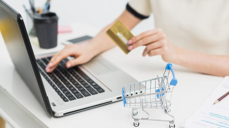 Uno de los beneficios de tener una tienda virtual es la rapidez y agilidad con la que se realizan las compras.